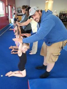 preschool-gymnastics-dad